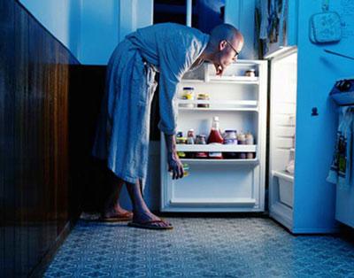 دلیل گرسنگی های مکرر, سندروم پیش قاعدگی