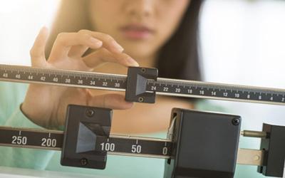 1514209566r6zFo609 1 - اشتباهاتی که مانع کاهش وزن می شود